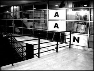 2008 Consejo de la Cultura, El gran Vidrio cura de Anamaría Briede. Expo ESPERANZA-CHILE